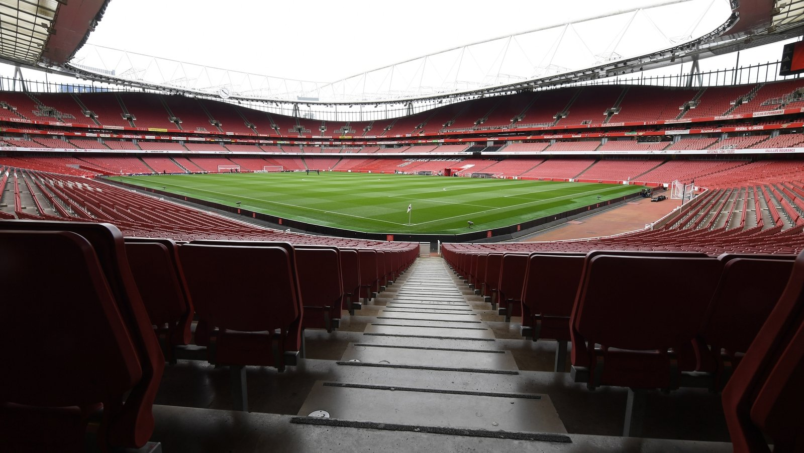 arsenal-to-alter-into-first-pl-club-to-welcome-attend-fans.jpg
