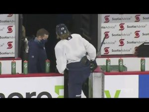 patrik-laine-leaves-early-status-unknown-as-jets-return-to-practice-after-stop-due-to-covid-19.jpg