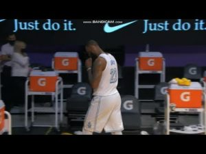 lebron-james-chokes-game-winner-vs-russell-westbrook-after-making-worst-mistake-of-the-year.jpg