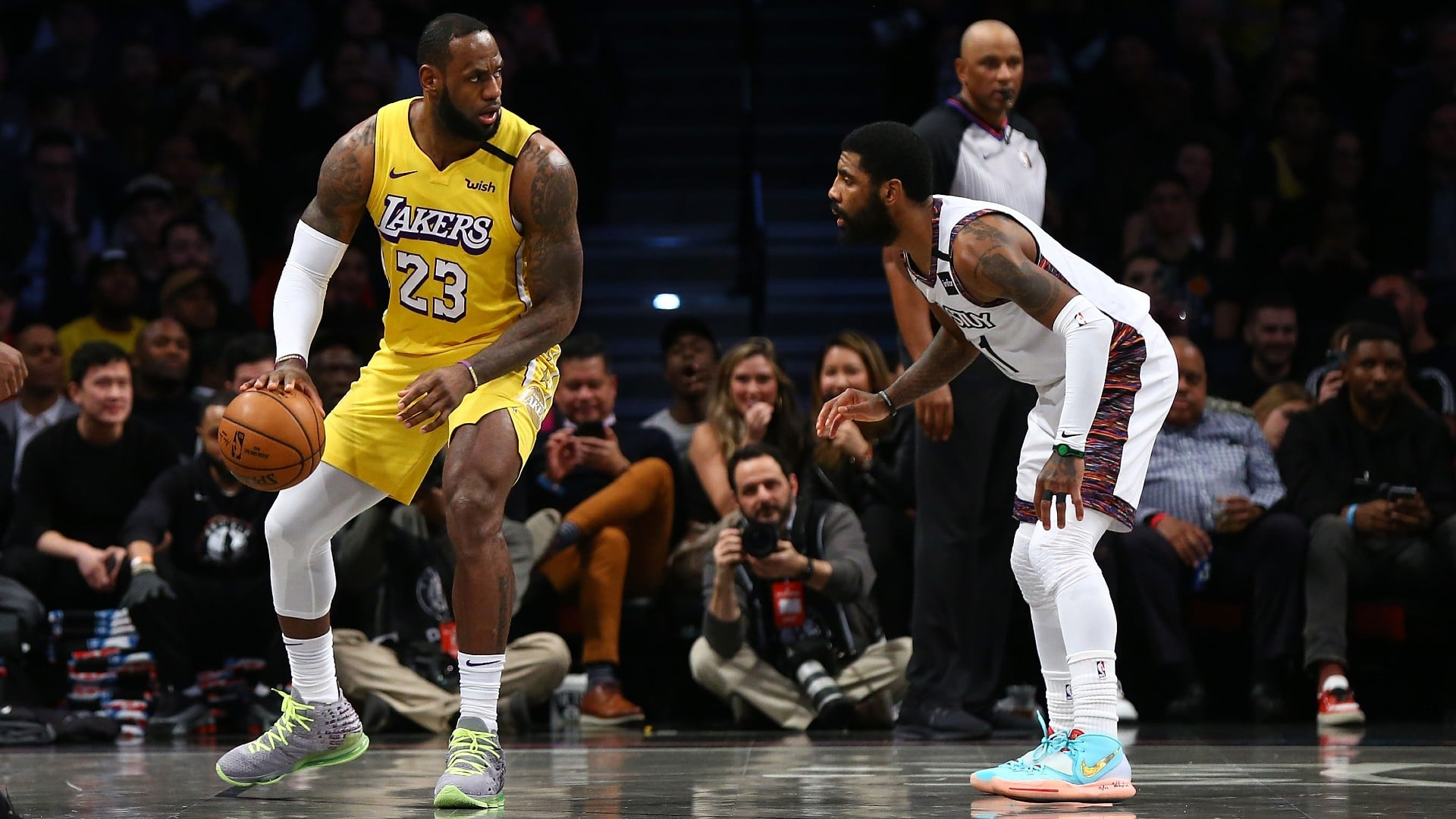 ground-microphones-take-nets-kyrie-irving-trolling-lakers-lebron-james-after-neglected-free-throw.jpg