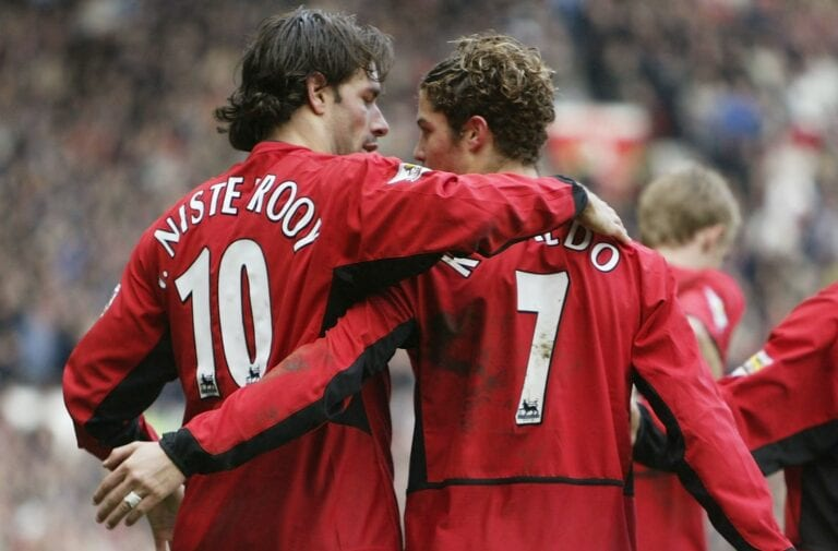 van-nistelrooy-lifts-the-lid-on-his-relationship-with-ronaldo.jpg