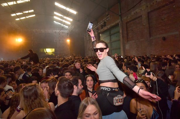 thousands-of-brits-birthday-party-at-uks-second-rave-without-a-masks-or-social-distancing.jpg
