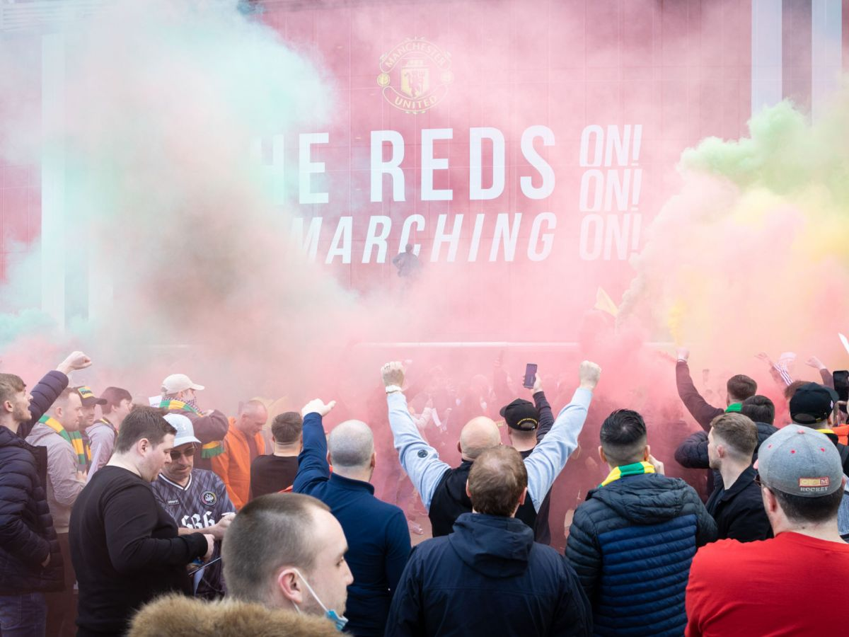 manchester-united-sport-with-liverpool-sport-postponed-after-protests.jpg