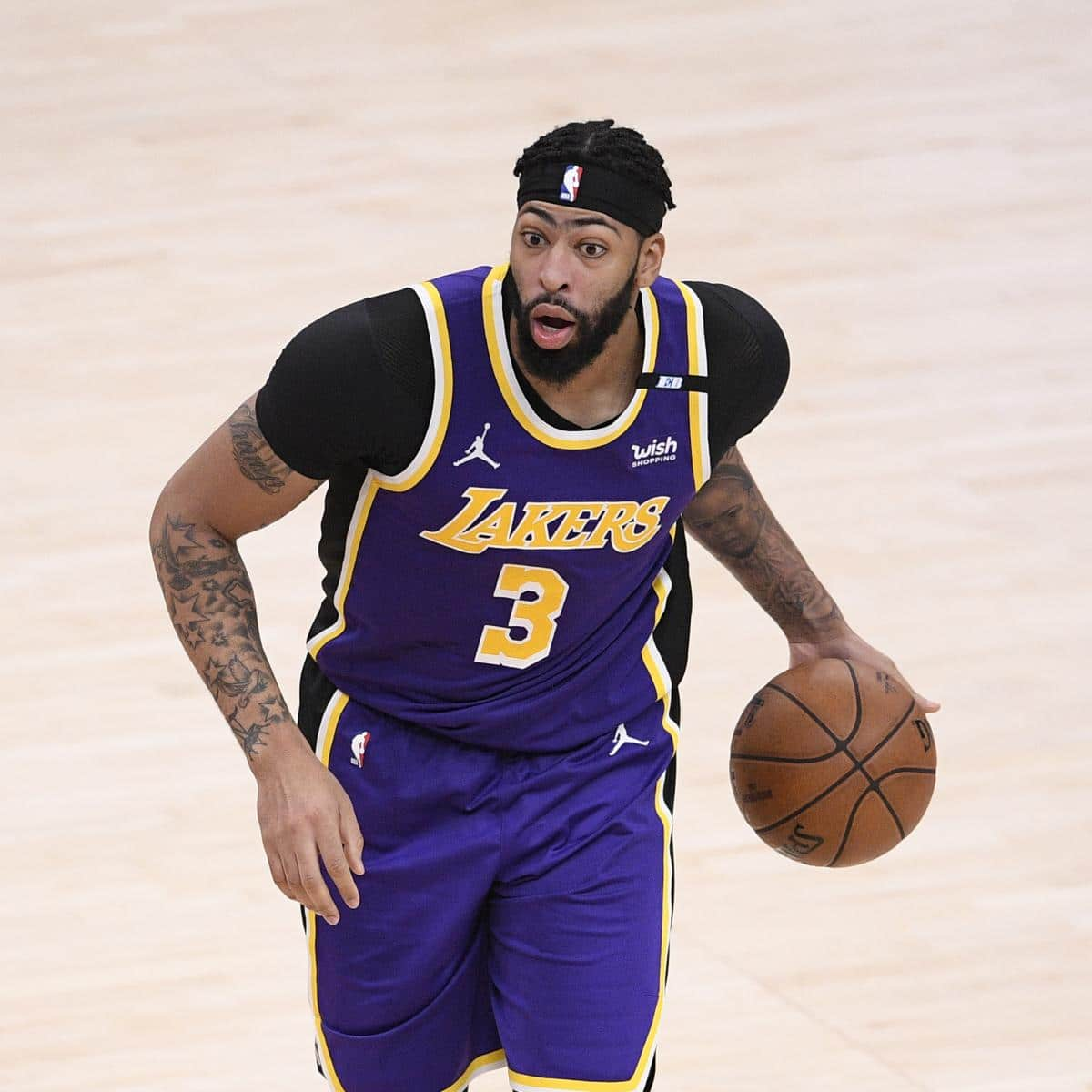 anthony-davis-says-the-handiest-means-is-up-for-lakers-after-loss-to-raptors.jpg