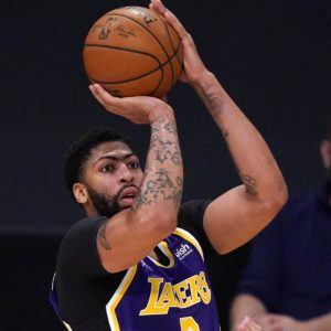 lakers-anthony-davis-dominated-out-vs-clippers-with-encourage-wound.jpg
