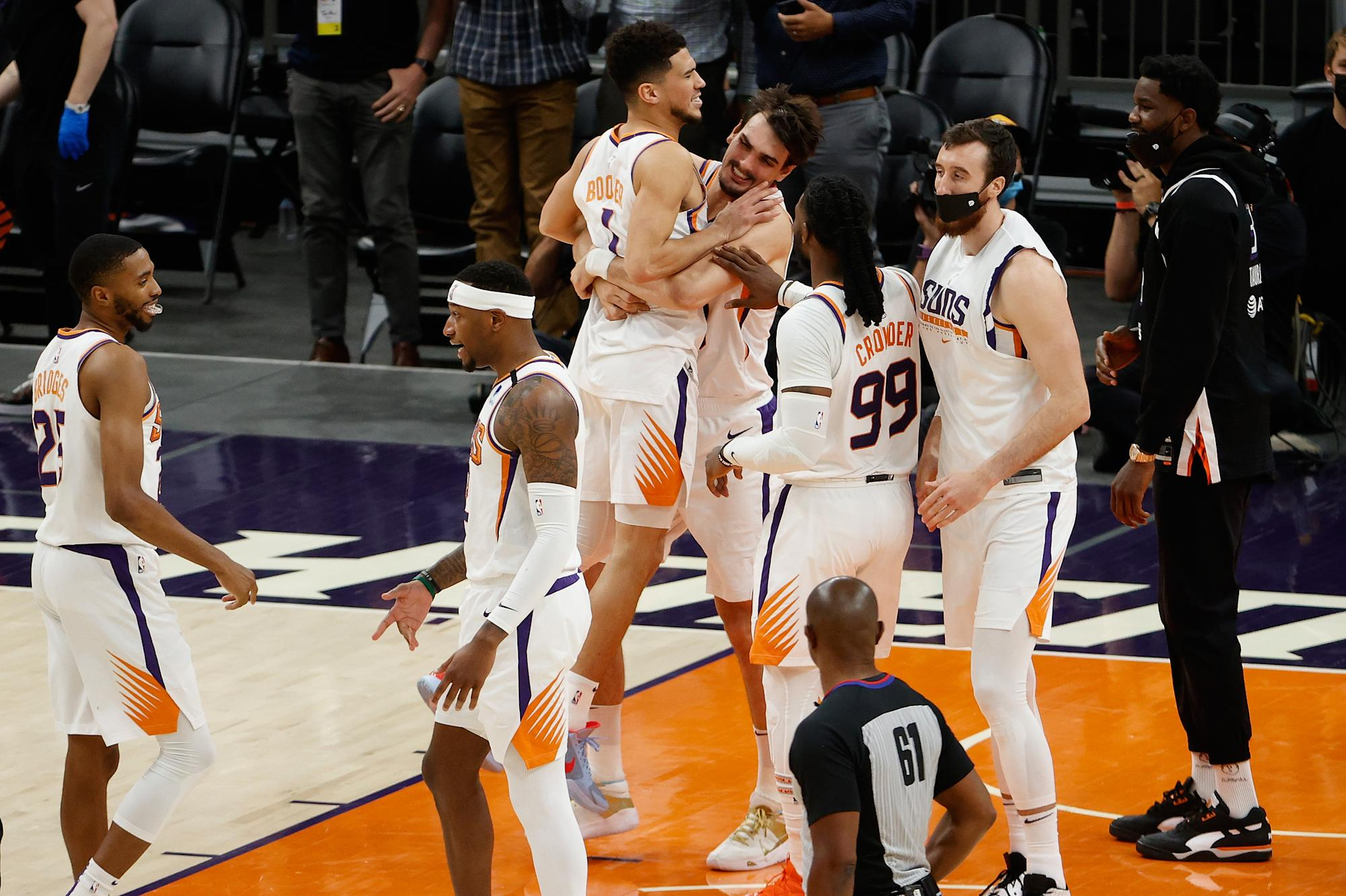 nba-playoff-tracker-late-foul-in-suns-path-blazers-presents-lakers-a-shot-of-averting-play-in-tournament.jpg