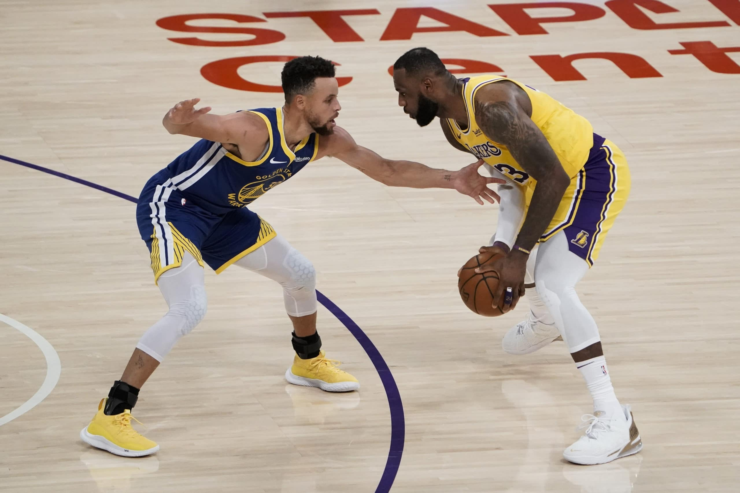 lakers-lebron-james-says-warriors-stephen-curry-ought-to-smooth-discover-2020-21-nba-mvp-award.jpg