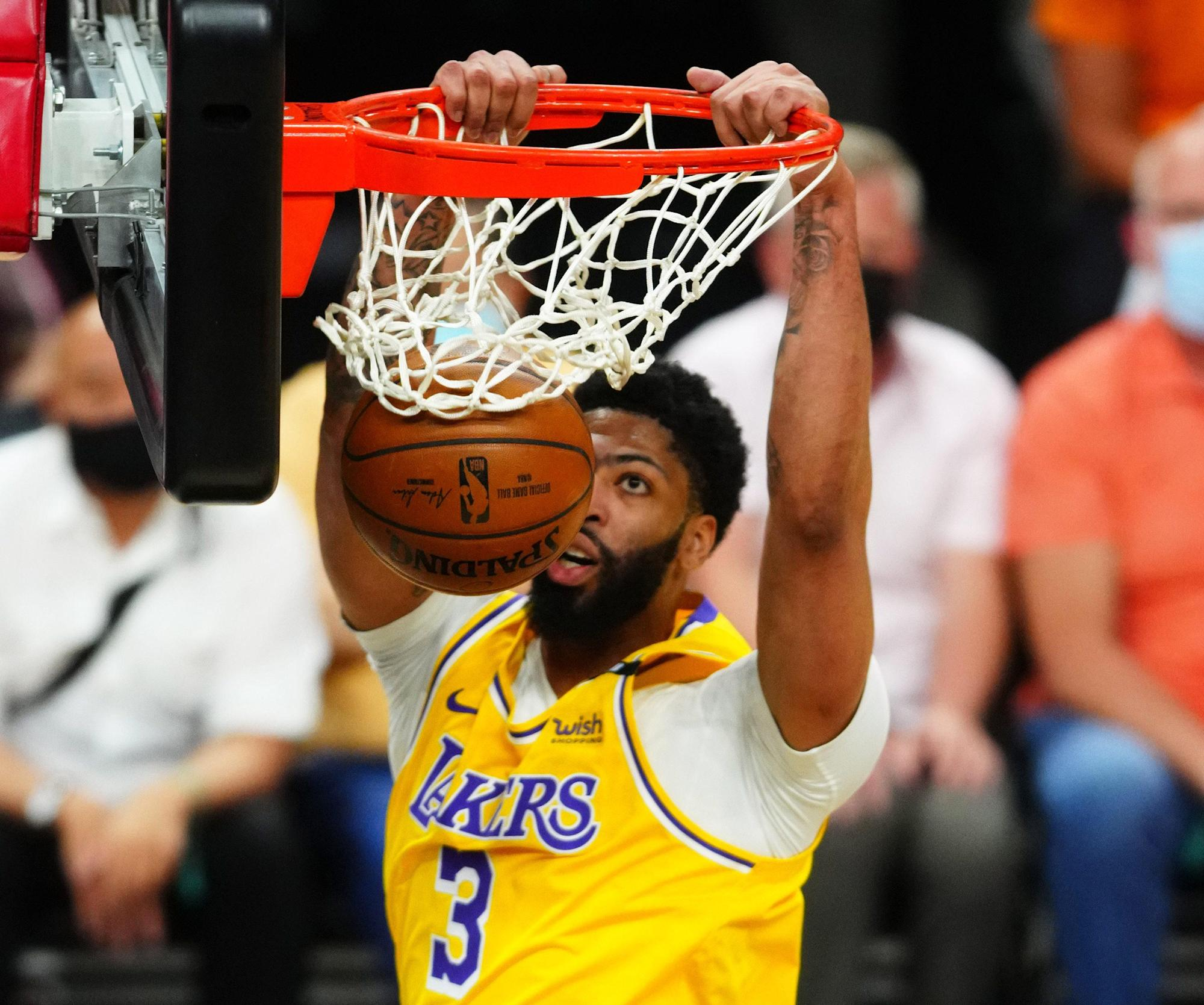 3-takeaways-anthony-davis-bounces-relieve-as-lakers-consume-sport-2-vs-suns.jpg