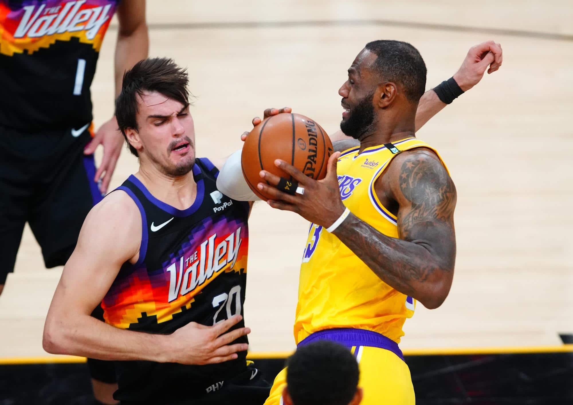 suns-at-lakers-game-3-lineups-smash-reviews-and-broadcast-files-for-thursday.jpg
