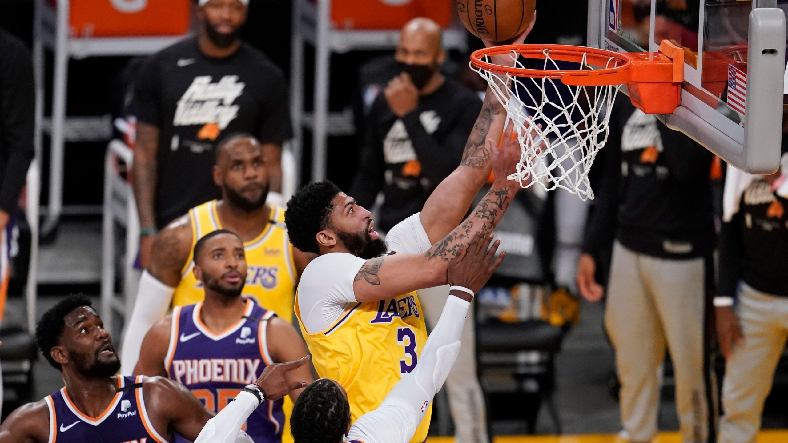 lakers-109-suns-95-anthony-davis-powers-lakers-by-the-wretchedness-for-2-1-lead-on-suns.jpg