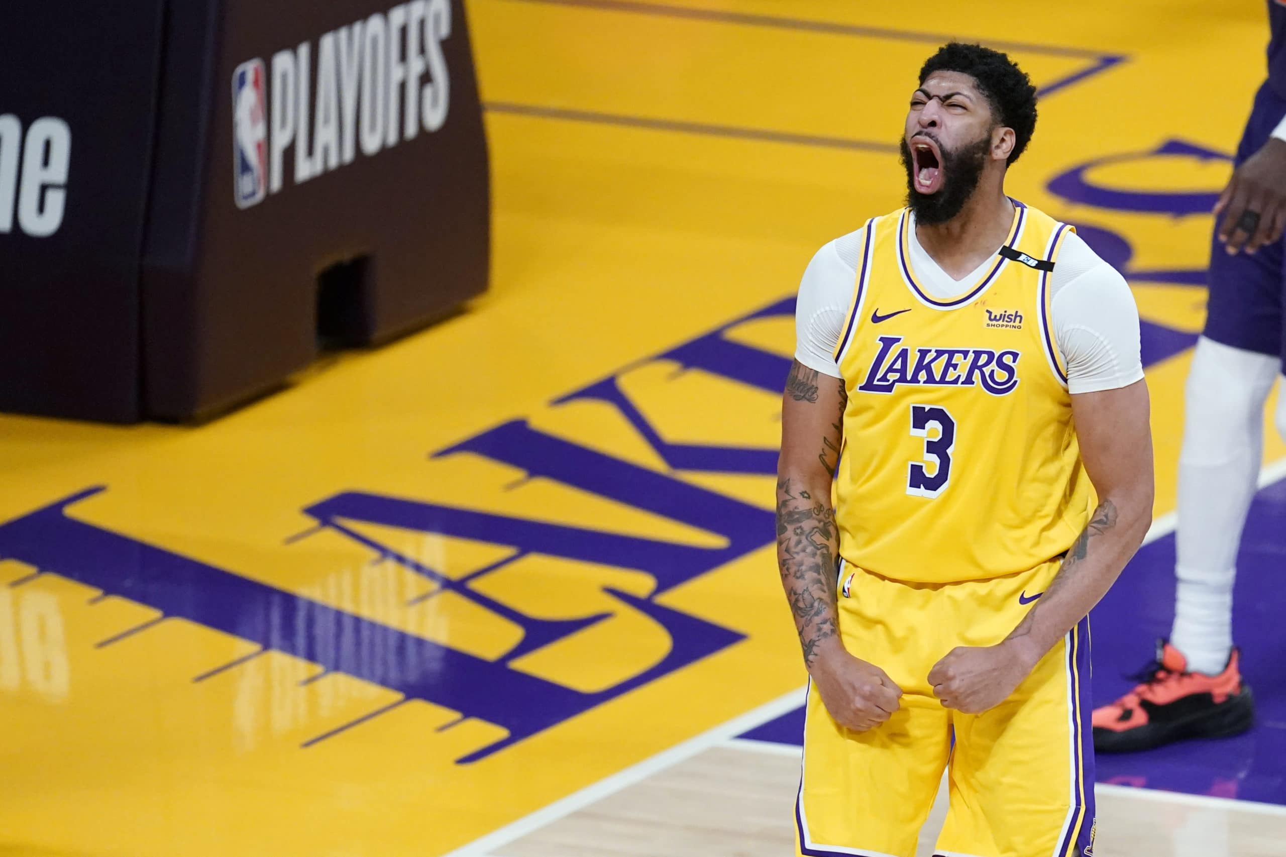 lakers-anthony-davis-says-game-4-vs-suns-is-glorious-game-of-the-series.jpg