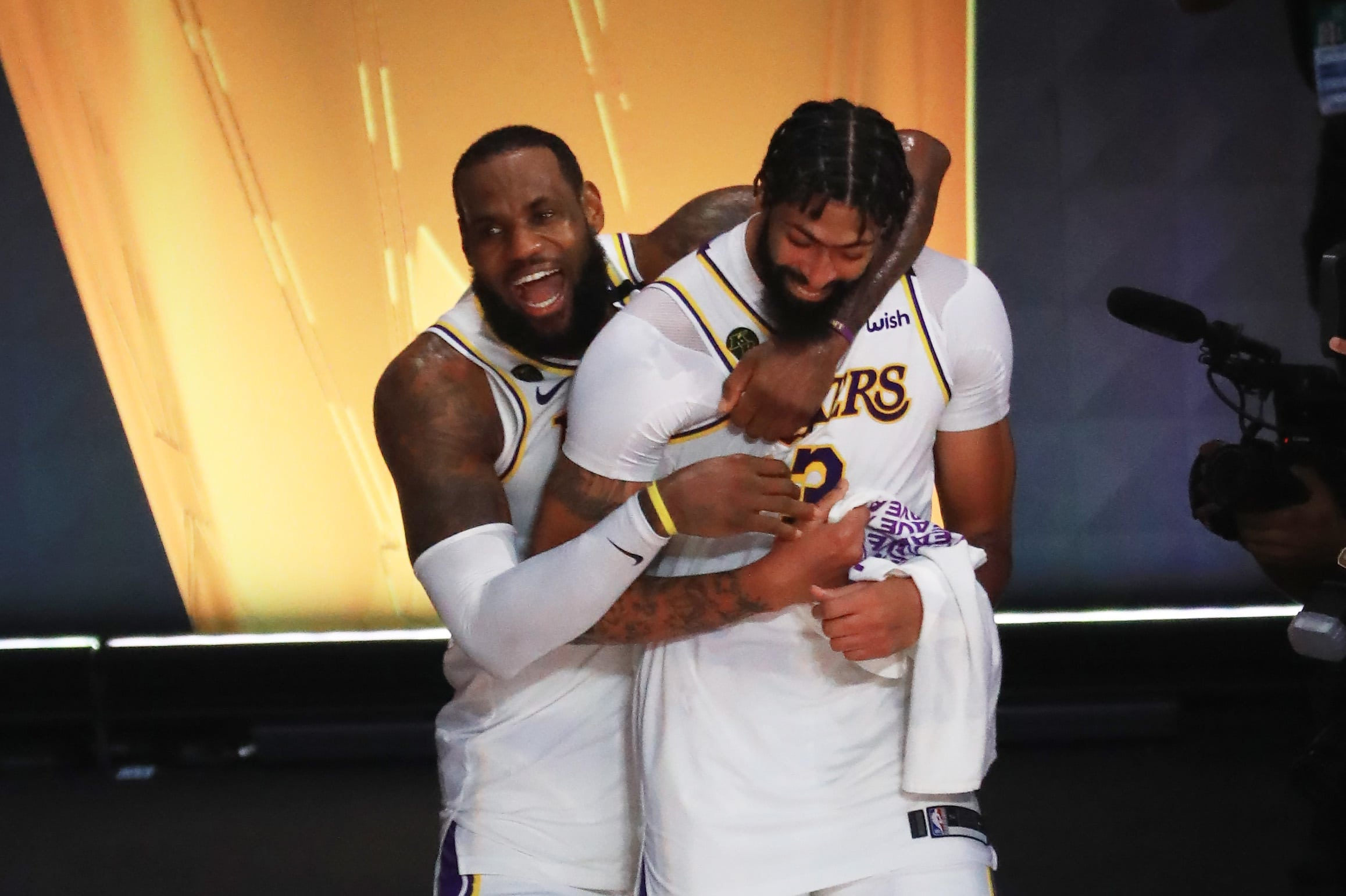 lakers-fans-shouldnt-ever-dream-of-huge-signing-lebron-james-could-be-consulted.jpg