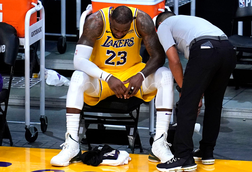 suns-discover-rid-of-lakers-lebron-james-from-playoffs-after-early-anthony-davis-exit.jpg