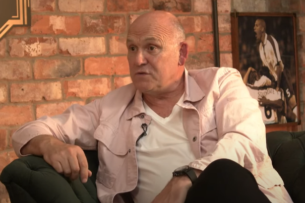 mike-phelan-sends-message-to-manchester-uniteds-players-earlier-than-current-season.png