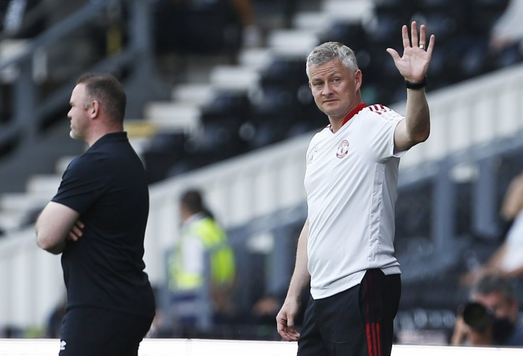 manchester-united-attain-stumbling-block-in-negotiations-for-world-cup-a-hit-defender.jpg