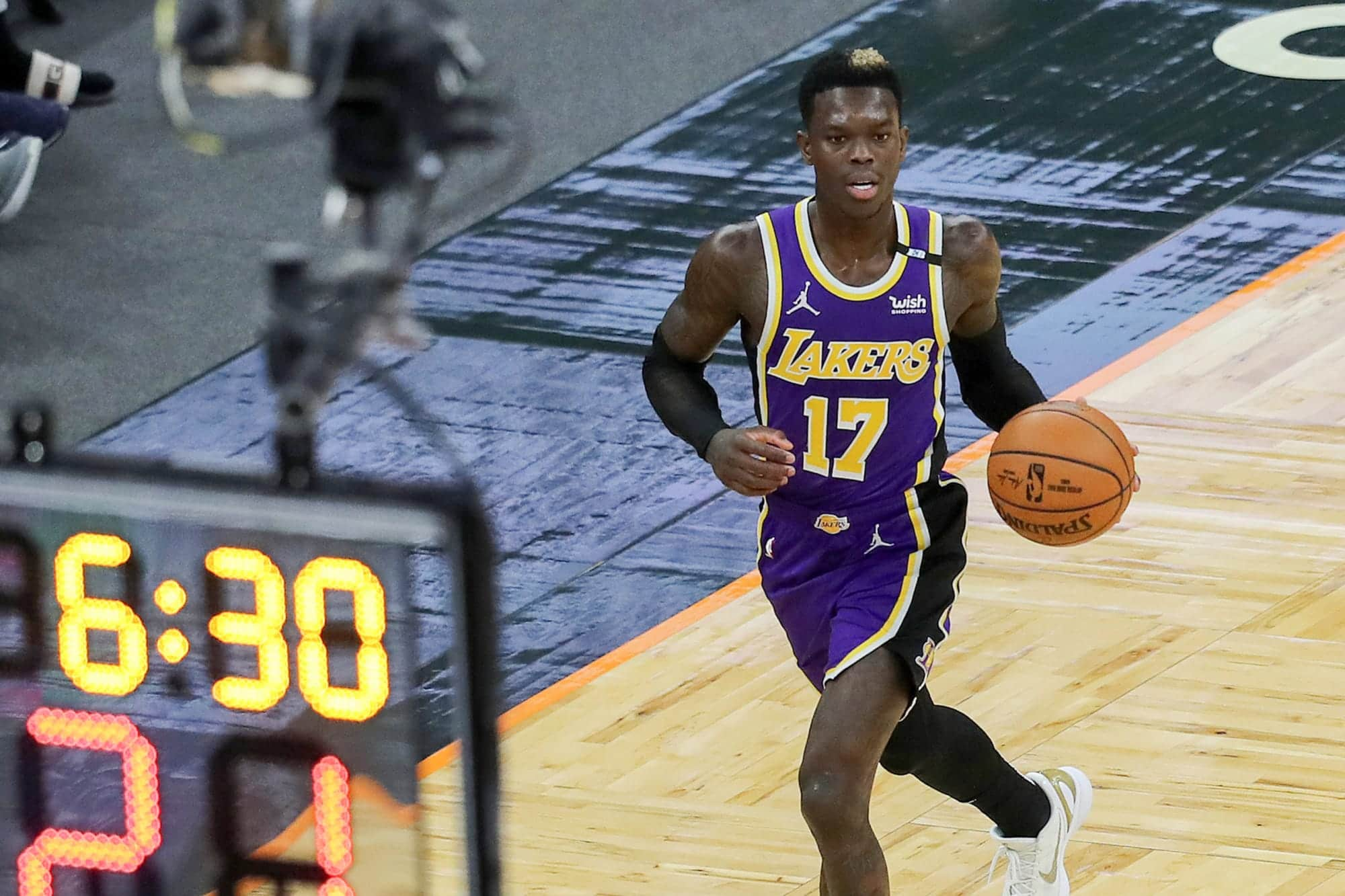 lakers-followers-roast-dennis-schroder-over-lack-of-suitors-after-rejecting-contract-provide.jpeg