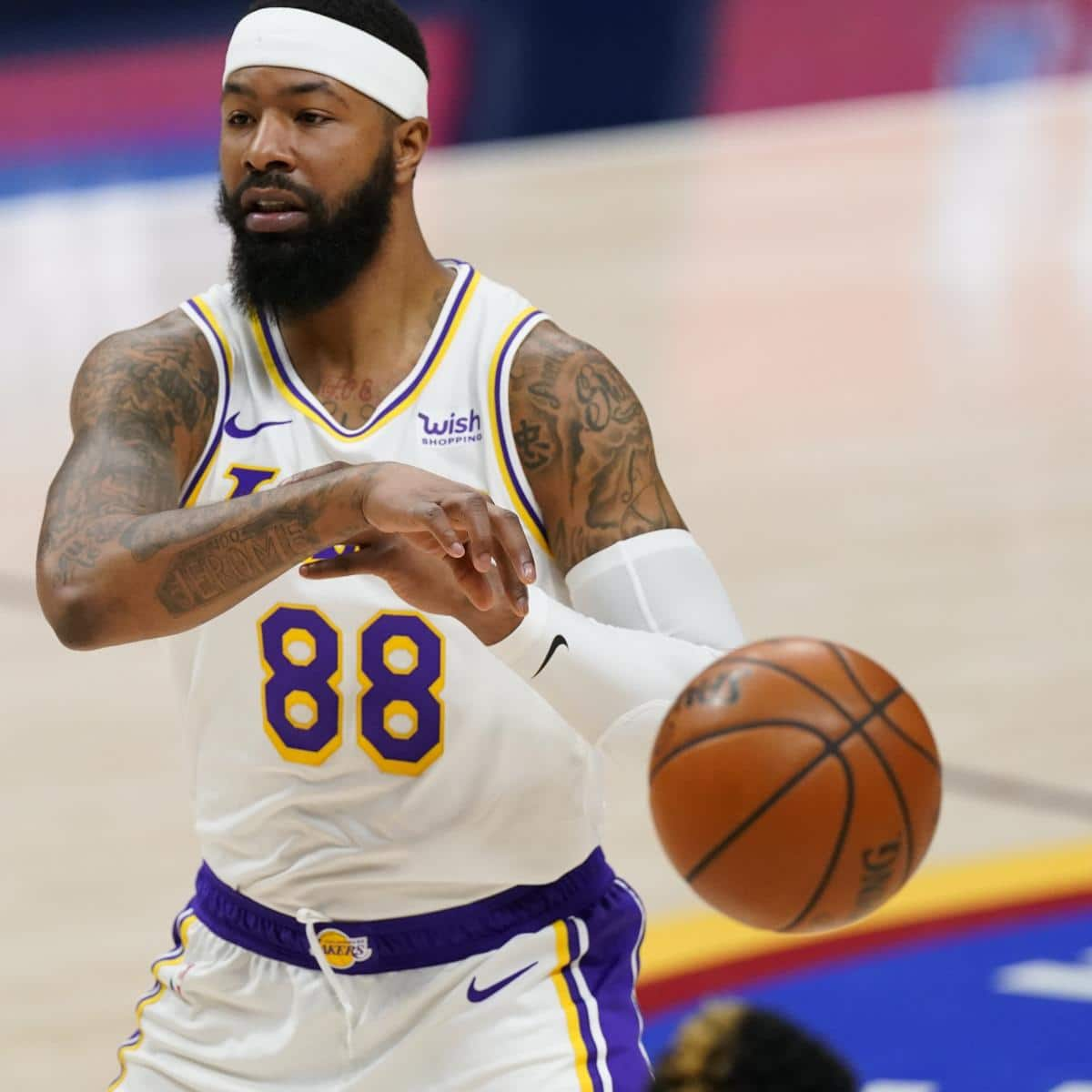 frail-lakers-pf-markieff-morris-warmth-reportedly-agree-to-1-year-contract.jpg