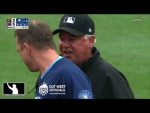 ejection-160-andy-green-ejected-on-day-1-as-cubs-acting-manager-after-tom-hallions-slide-no-call.jpg