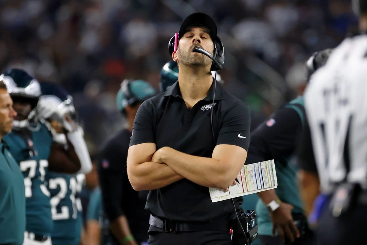 Extra Bears Than Bulls on Eagles' Inventory Market in Lopsided Loss to Dallas
